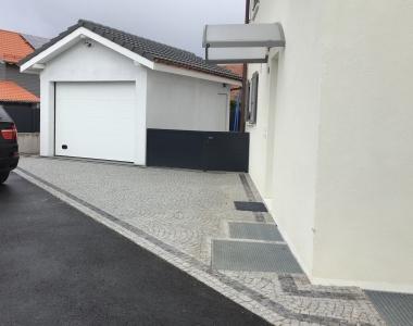Garages & Parkings